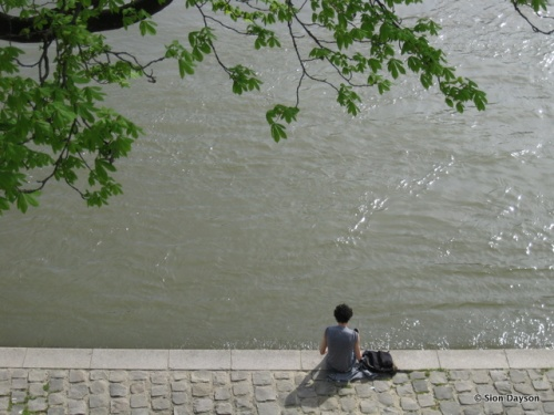Solo time by the Seine.